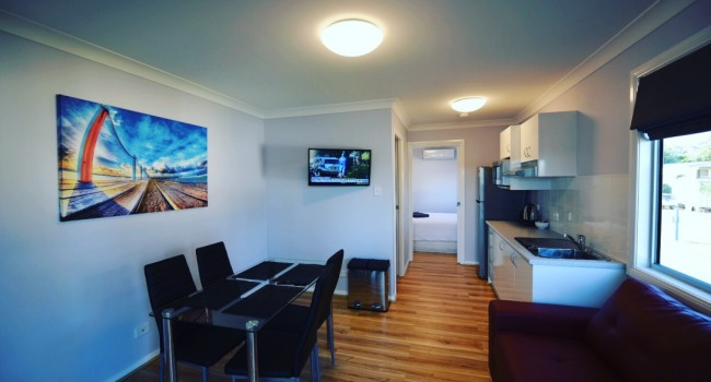 Nambucca Heads deluxe riverfront cabin